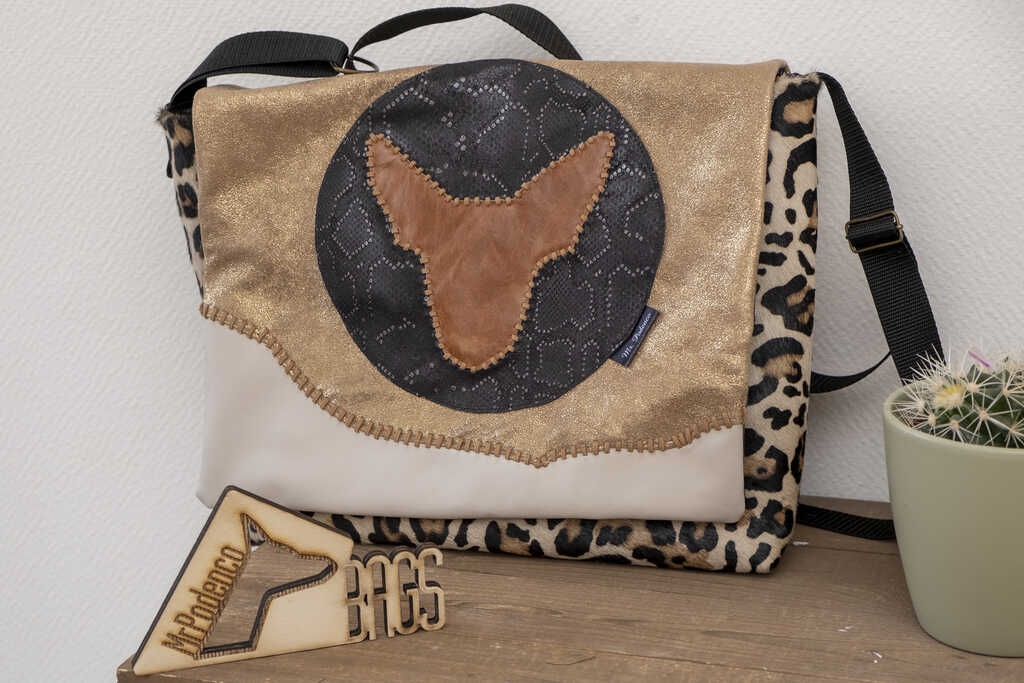 Gold Rush messenger bag_Mr. Podenco voorzijde