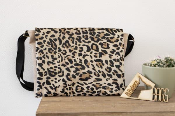 Leopard Luxe Messenger bag_Mr. Podenco voorzijde